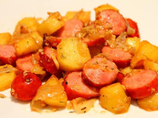 pommes de terres et saussies fumées